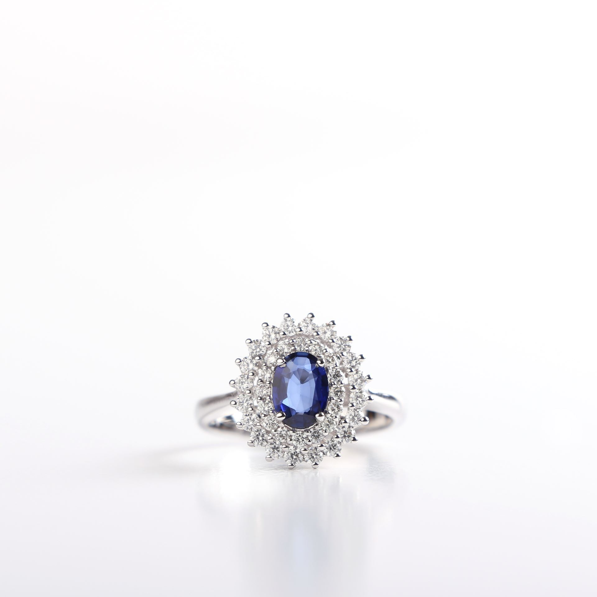 gold sapphire winsor ring white bishop saffire rings jewellers
