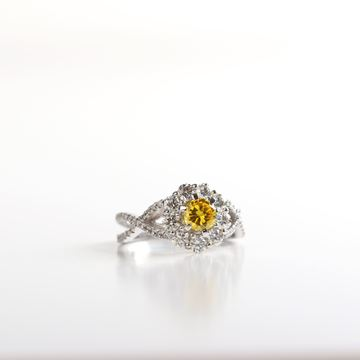 صورة Canary Citrine Diamond Ring