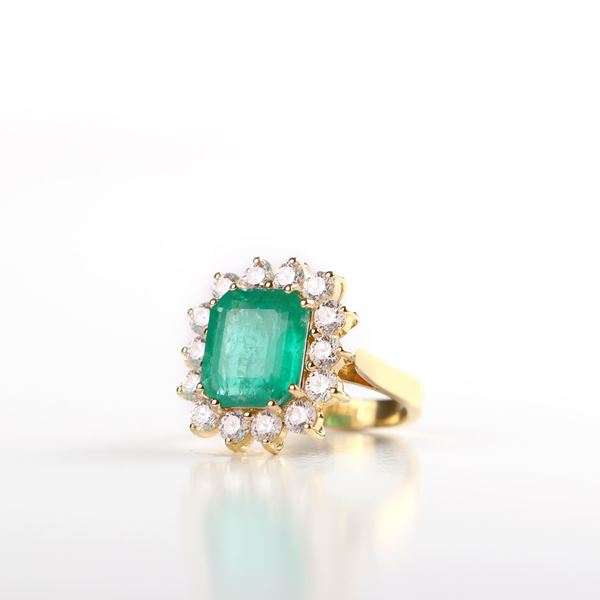 Picture of Emerald And Diamond Yellow Ring