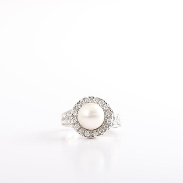 Picture of Pearl & Diamond Ring