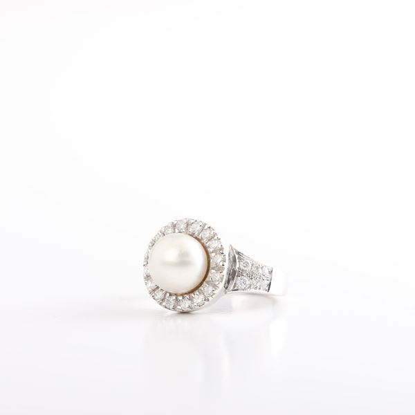 صورة Pearl & Diamond Ring