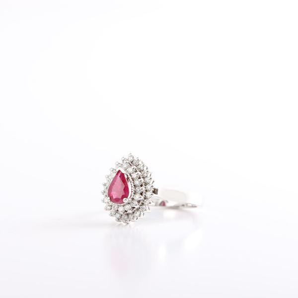 صورة White Gold Diamond And Ruby Ring