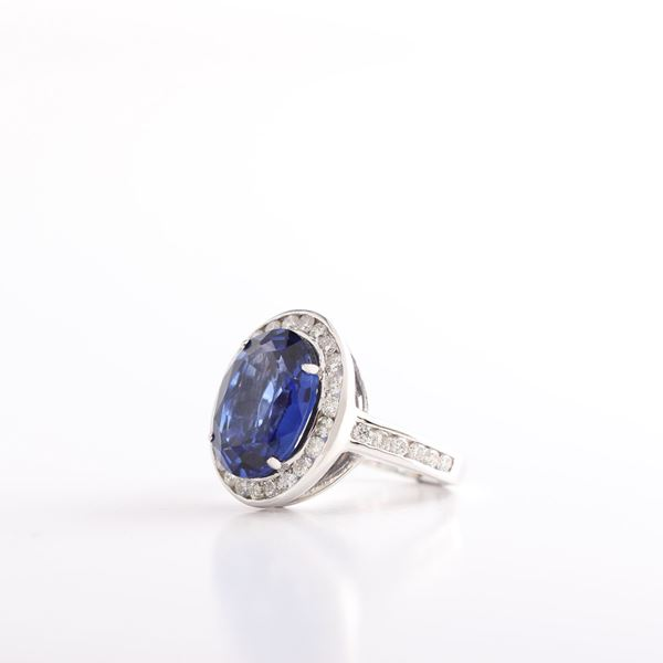 Picture of Oval Sapphire Ring