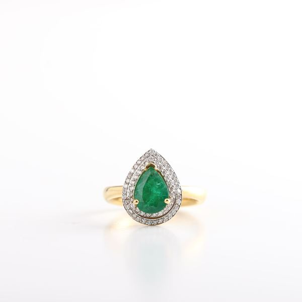 صورة Pear Emerald Ring