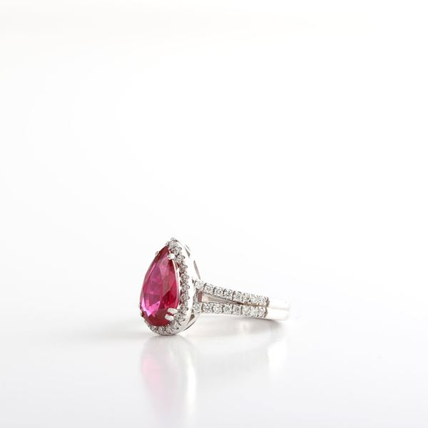 صورة Pear Ruby & Diamond Ring