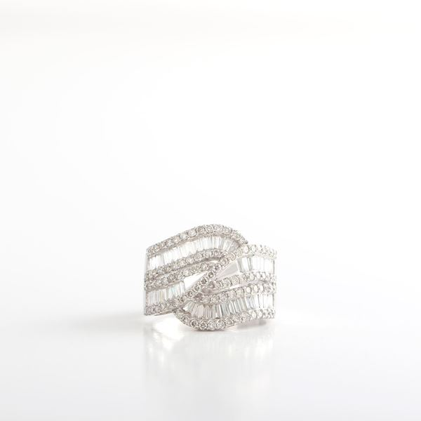 Picture of The Wavy Diamond Ring