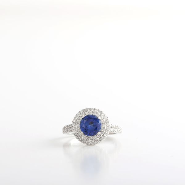 Picture of Elegant Sapphire Ring