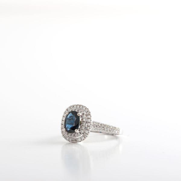 صورة Sapphire & Diamond Ring