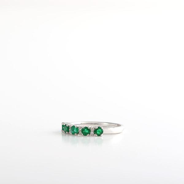Picture of Emerald & Diamond Ring