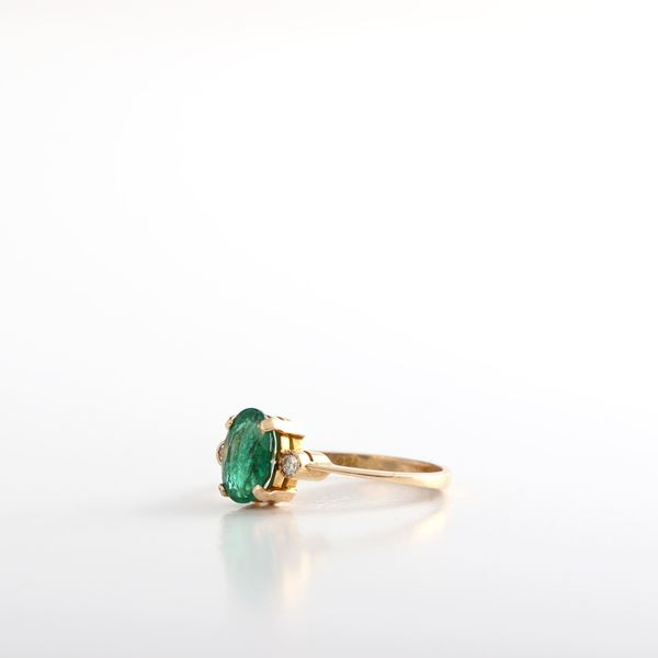 Picture of Yellow Gold & Emerald Ring