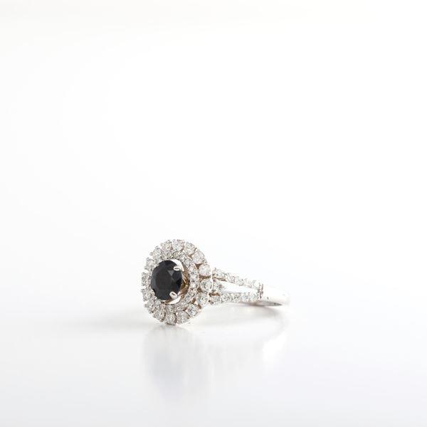 صورة Elegant Sapphire & Diamond Ring